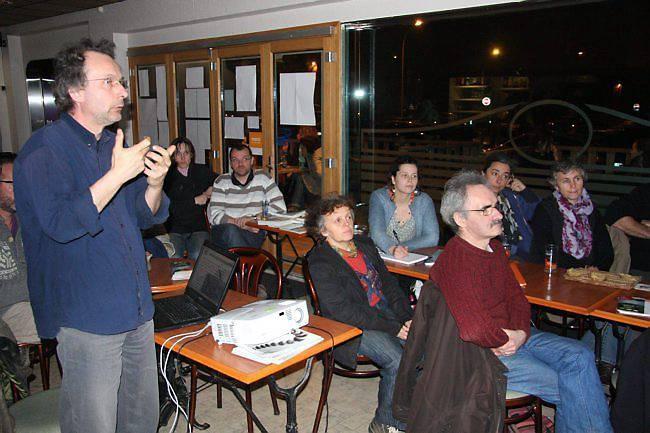 Dix-huit personnes ont assisté à la présentation du projet d'habitat partagé à l'éco-cité, lundi à Vannes.